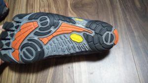 ビブラム v-train 靴底